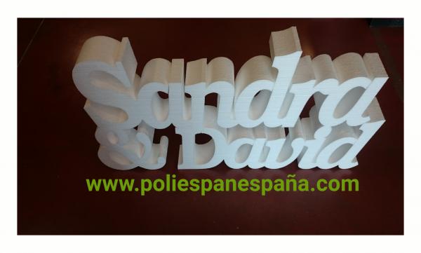 NOMBRES CON RELIEVE EN POLIESPAN EN MADRID...